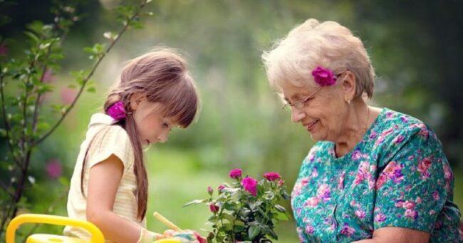 Nằm mơ thấy bà ngoại điềm báo gì, lành hay dữ? con số liên quan